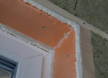Как утеплить откосы пластиковых окон с улицы?